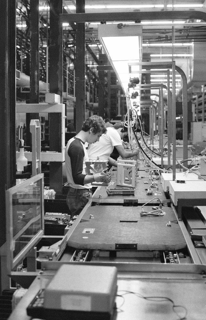 30多年前乔布斯想振兴硅谷制造业 最终惨遭失败