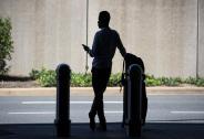 36%美国成年人坐过网约车,但只有4%每周都坐