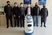 疫情防控好帮手!小胖机器人在医院上岗助力一线抗疫
